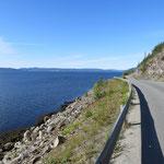 Auf der 720 dem Beitstadfjord entlang.