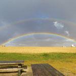 Doppelter Regenbogen nach einem Gewitter.