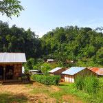 In den Dörfern gibt es meist nur kleine Kioske. Das Angebot ist bescheiden und bei allen gleich.