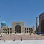 Die Bauwerke in Samarkand beeindrucken vor allem durch ihre enorme Grösse.