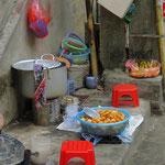 An vielen Orten wird das Essen auf der Strasse zubereitet. Hygiene? Ein Thema für sich.