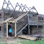 Jedes Jahr wird ein Haus wieder aufgebaut - ein kleines Ballenberg