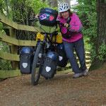 Auf dem Waikato River Trail geht es mal nur mit Schieben weiter.