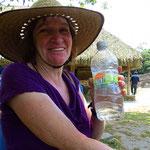 Komisch, des Getränk schmeckt nach Gurken . . . Ja, es besteht tatsächlich aus Limonen- und Gurkensaft!