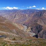 Nach Pallasca geht es wieder runtern zum Rio Tablachaca.