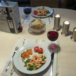 Wenn wir mal wieder eine Küche haben, geniesst Bea das Kochen und Anrichten.