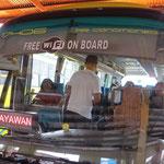 Da staunt der Schweizer: Free WiFi im Linienbus.