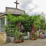 Wohnen auf dem Friedhof, in Manila ist das möglich.
