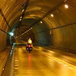 Japan, für uns das Land der Tunnels. 2 km durch den Berg sind nicht selten.
