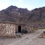 In einem Teil der alten Mauern haben schon die Inkas übernachtet.