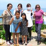 Die fünf jungen Damen beschenken uns spontan mit Donats, Bananen und einem Energiedrink. Vielen herzlichen Dank!