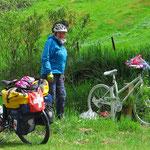 An dieser Stelle ist eine junge Frau mit dem Fahrrad tödlich verunglückt.