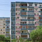 Plattenbauten aus der Sowjetzeit in Taschkent.