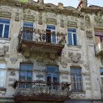 Viele schöne Jugendstilfassaden müssen noch renoviert werden.