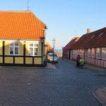 Morgendliche Ruhe im Hauptort Rönne.