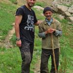 Schafhirte mit Shayan beim Schwatz.