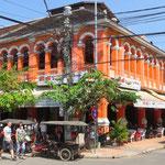 In Siem Reap gibt es noch viele schöne alte Kolonialbauten.