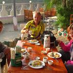 Unterwegs treffen wir die Reiseradler Trevor und Rose aus Neuseeland.
