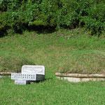 Auf dem Land werden Verstorbene oft an privaten Orten bestattet.
