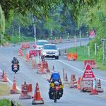 Strassen-Checkpoints durchfahren wir täglich mehrere.