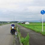 Radwege über Land, wo sie unserer Meinung nach keinen Sinn machen.