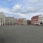Renovierter Marktplatz von Kozuchow.