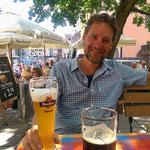 Wir sind in Bayern. Pausenbier in Nürnberg.
