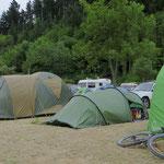 In Queenstown wird der Platz für unser Zelt eng.