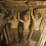 In der Mine wurde bis in die 1960er Jahre Gold, Silber und etwas Blei und Kupfer abgebaut.