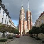Eine der vielen grossen Backsteinkirchen.