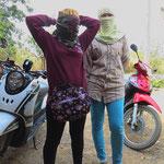Viele Thais sind tagsüber verhüllt unterwegs.
