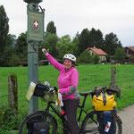Seit mehr als zwei Jahren wieder auf Schweizer Boden! (auf dem Rheinradweg bei Schaffhausen)