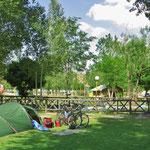 Zelten im Stadtpark von Bostanabad.