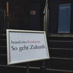 """Musikalischer Beitrag an der Zukunftskonferenz der Brand Eins im ehemaligen Kraftwerk Bille zum Thema """"Wendepunkte""""."""