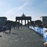 Der Berliner Marathon löst bei mir als Zuschauerin Jucken in den Füßen aus. Im nächsten Jahr laufe ich mit, yeah.