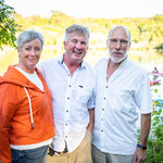 Tom Allen is seen with Wendy and John Tamming, Tamming Law (Performer Partner, Tom Allen).