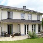Landkreis Mayen-Koblenz: modernes Landhaus im Toskanastil mit Gewerbemöglichkeit bei Münstermaifeld