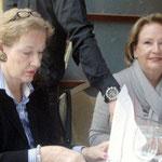 Frau Fuchs, Frau Hoffmann