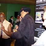 Russell Jackson & Wayne Baker Brooks dédicacent leurs albums.