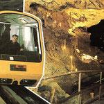 Спуск туристов в Новоафонскую пещеру