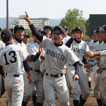 1年次からチームを支えた学生コーチの河野(4年:熊本工業高校出身)
