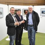 Rudi Franck, Jürgen Scheel, Dieter Conrads im Gespräch