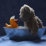 Save water - bath with a friend. Ein reinlicher Bär mit Sinn für den Umweltschutz isser, der Herr Nopf.