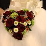 Brautstrauß in Herzform