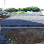 基礎工事 砕石敷き・転圧
