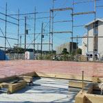 足場架け 建て方 土台敷き