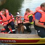Nein im Boot bleiben nicht schwimmen gehen ...