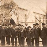 Les Hommes lors de l'Inauguration