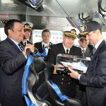 الرئيس الأسد يطلع على جودة الصناعة التركية في جولة مع الرئيس غل على احد قوارب خفر السواحل المصنع محليا - 08.05.2010
