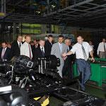 الرئيس الأسد يزور مصنعي ماز و م . ز . ت . ك لصناعة الشاحنات والباصات في العاصمة مينسك - 27.07.2010